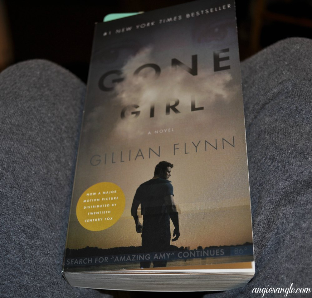 Catch the Moment 365 - Day 61 - Current Book Gone Girl