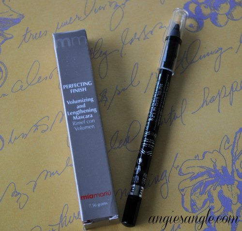 Hugs and Kisses Giveaway Hop - Mascara and Eyeliner