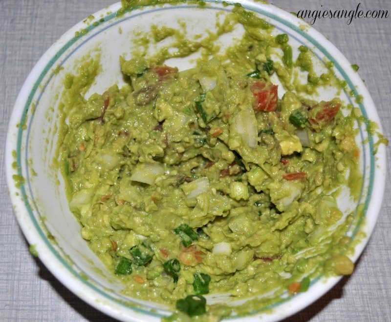 Lettuce Tacos That Pop - Guacamole