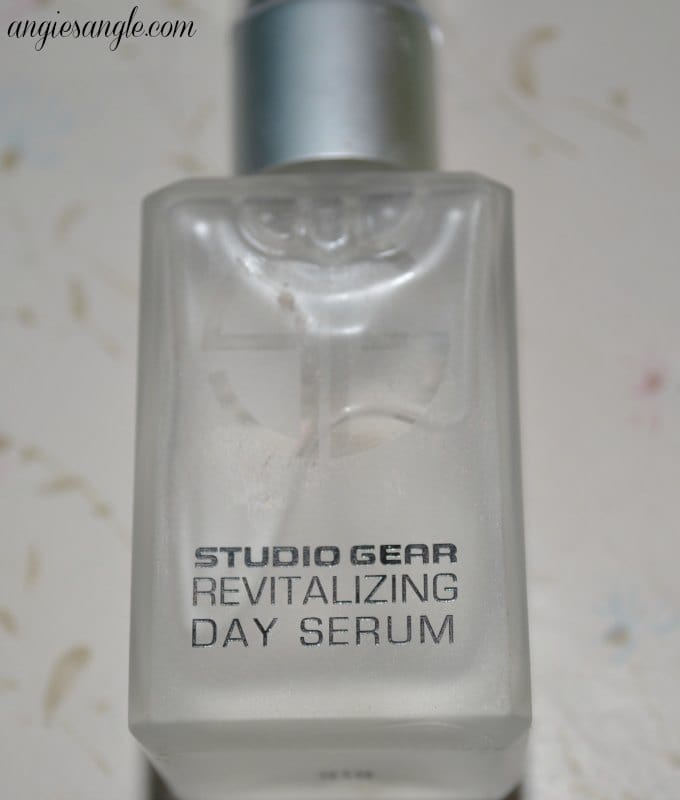 Studio Gear Day Serum Product