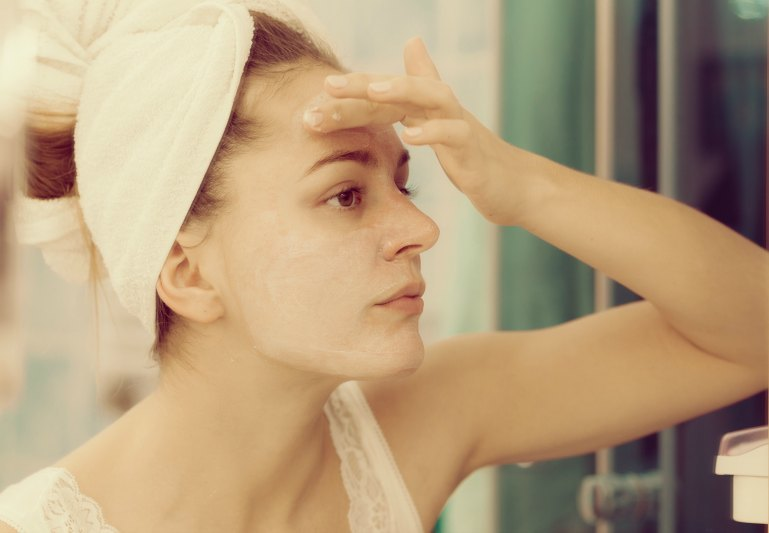 The Forgotten Importance of Daily Skin Moisturizing