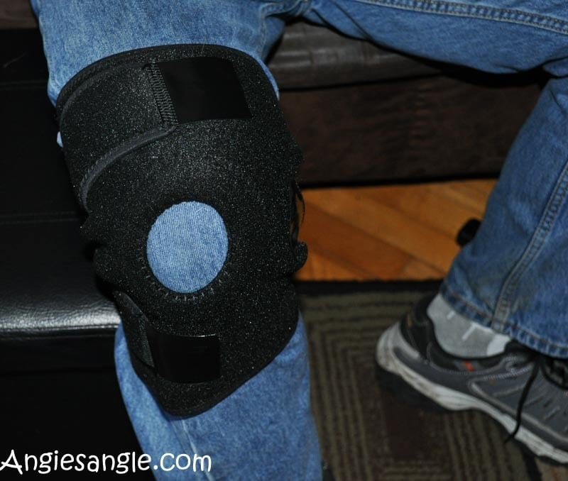The Knee Brace You'll Want Around #HealthyTuesday