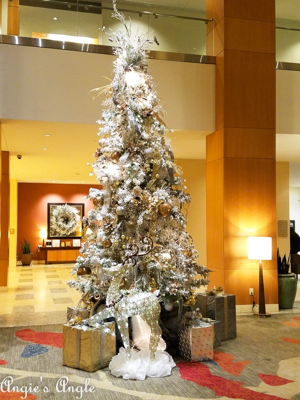 2018 Catch the Moment 365 Week 49 - Day 340 - Hilton Christmas Tree