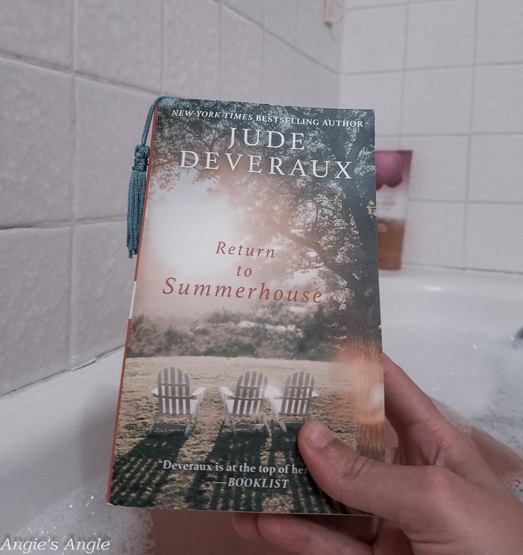 2019-Catch-the-Moment-365-Week-32-Day-220-Book-and-Bath