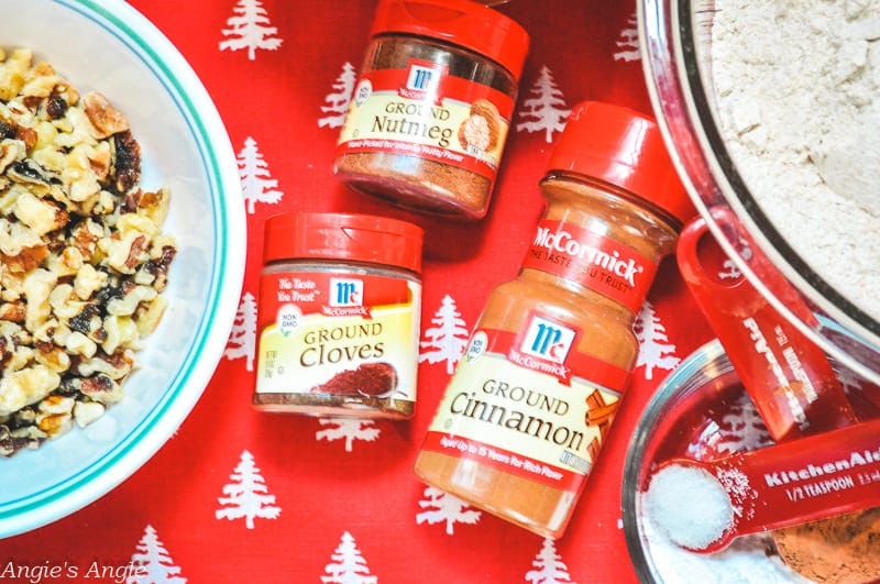 The McCormick® Spices line-up for the applesauce cake