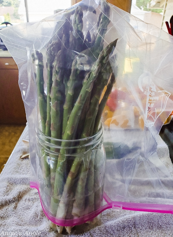 2020 Catch the Moment 366 Week 25 - Day 169 - Keep Asparagus Fresh