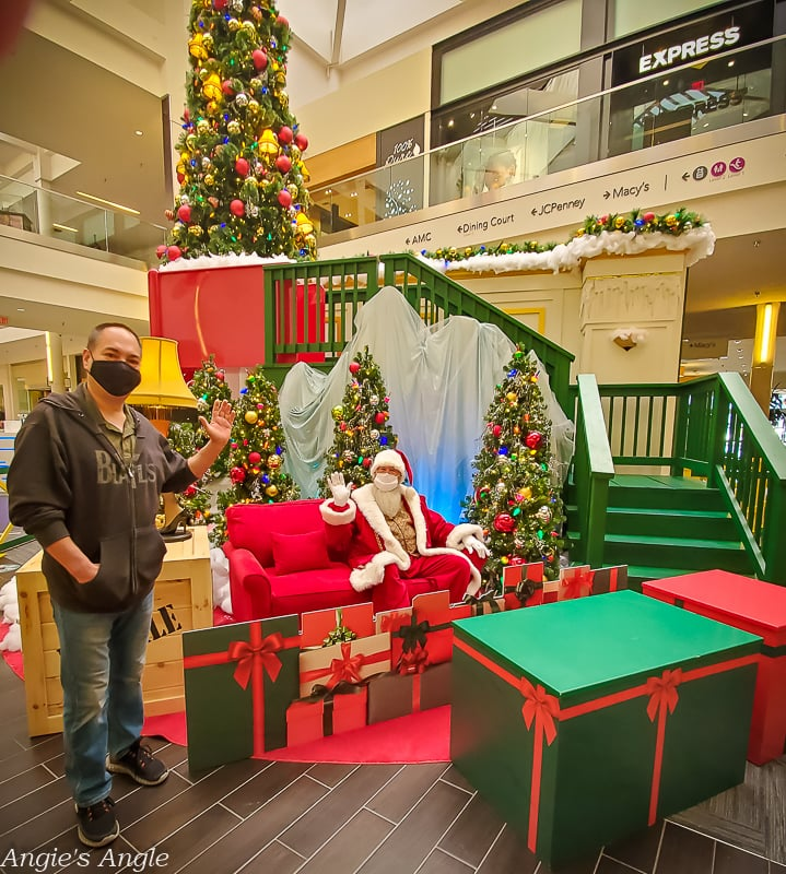 2020 Catch the Moment 366 Week 48 - Day 334 - A Visit with Santa at Vancouver Mall